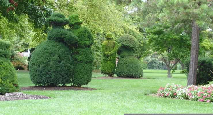 1280px-columbus_topiary_gardens