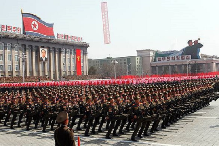 north-korea-parade-7